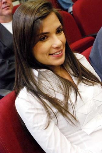 Sabina Simonato, ex-aluna da universidade, prestigiou a inauguração do projeto FAC de comunicação.