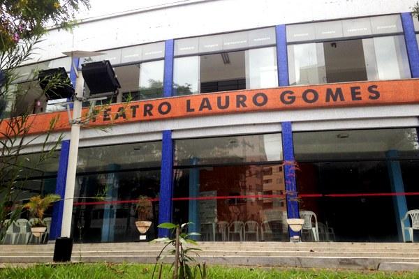 """Teatro Lauro Gomes exibe, neste fim de semana, a peça """"Os monólogos da vagina"""". A comédia conta os depoimentos e histórias vividas por Eve Ensler - Foto: Gabriel Chames/RRO"""