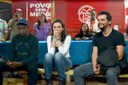 Wagner Moura, Seu Jorge e Mônica Iozzi participam de roda de conversa na ocupação do MTST em São Bernardo