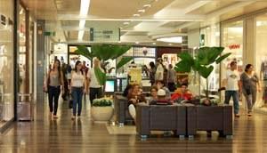Shoppings da região ampliam horário de funcionamento
