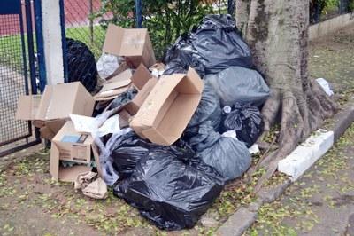 São Bernardo não cumpre lei federal de lixo