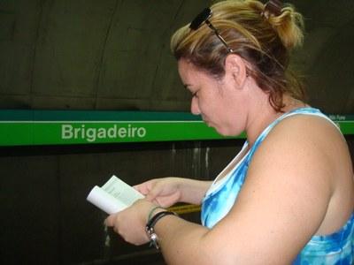 Máquinas de livros no metrô de SP já venderam mais de 1 milhão de exemplares