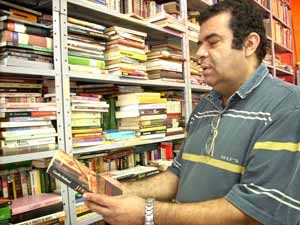 Família de Santo André trabalha unida pelos livros