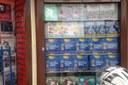 Álbum de figurinhas da Copa do mundo começa a ser vendido pelo bairro