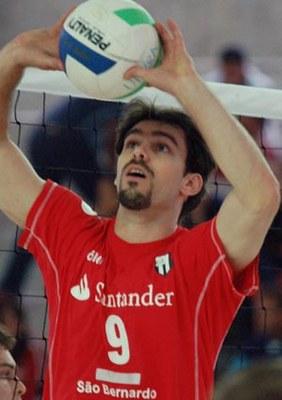 Levantador Rodriguinho é destaque de São Bernardo no vôlei